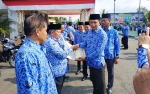 Bupati Barito Utara Serahkan Kendaraan Operasional Tenaga Pendidikan