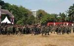 Hujan Uang Mendadak Warnai HUT TNI di Kompleks DPR Senayan