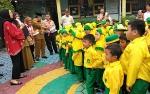 Video Istri Gubernur Kalteng Yulistra Ivo Azhari Sugianto Sabran Kunjungi Sejumlah TK di Palangka Raya