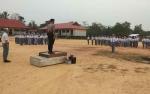 Jajaran Polres Katingan Serentak Ikut Upacara Bendera di Sekolah