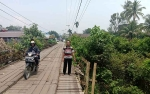Warga Kelurahan Kurun Harapkan Jembatan Kahat Segera Diperbaiki