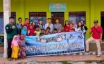 Pemuda Literasi Katingan Kunjungi Anak Yatim dan Berikan Alat Tulis