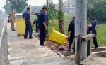 Dinas PUPR Pulang Pisau Bersihkan Sampah di Jalan Panunjung Tarung