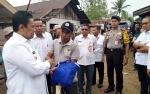 Bupati Pulang Pisau Berikan Bantuan kepada Korban Puting Beliung
