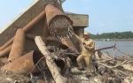 Wakil Gubernur Larang Tongkang Batu Bara Melintas di Bawah Jembatan Kalahien