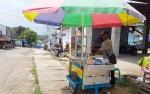 Pedagang Kaki Lima Pindah Jualan ke Belakang Pasar Tamiang Layang