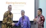 TelkomGroup Akuisisi 2.100 Menara Indosat Ooredoo