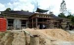 Pemerintah Desa Sikui Bangun Balai Pertemuan Gunakan Dana Desa