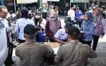 Satpol PP Kapuas Jaring Sejumlah Pegawai Keluyuran di Pasar saat Jam Kerja