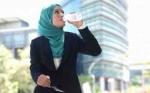 Musim Pancaroba, Lebih Baik Minum Air Hangat atau Dingin?