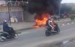 Sepeda Motor Pelangsir Terbakar usai Kecelakaan Tunggal