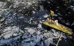 Cerita Warga Bekasi Terpaksa Pakai Air Sungai Tercemar untuk MCK