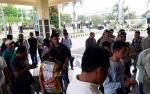 Warga Desa Muara Inu Demo DPRD Barito Utara karena Tidak Terima Hasil Seleksi Calon Kades