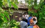 Kapolres Kotim, Muspika Mentaya Hilir Selatan, dan Komunitas SMS Inisiasi Bedah Rumah untuk Nenek Mulia