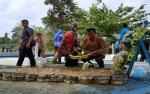 Ziarah di Makam Pahlawan Dharma Persada Muara Teweh Diiringi Tangisan Keluarga