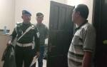 Rumah Dijadikan Tempat Pesta Miras, Oknum TNI Diserahkan ke Detasemen Polisi Militer