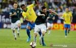 Messi Antar Argentina Tundukkan Brazil dalam Tanding Uji Coba