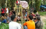 Warga Penyang Pasang Hinting Batas, Korbankan Babi dan Ayam di Lahan Serahan Perusahaan