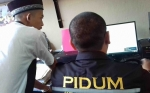 Asyik Membagi Sabu di Kamar Hotel, eh Polisi Datang