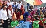 Ribuan Murid PAUD dan Taman Kanak-kanak Ikuti Pawai Budaya di Kapuas