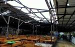 Rusaknya Atap Pasar Al Kamal Akibat Puting Beliung Tidak Ganggu Aktivitas Jual Beli