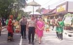 Video Kedatangan Kapolres Baru Kobar AKBP E Dharma B Ginting, Disambut Upacara Adat