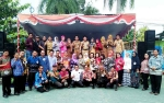 Para Guru di Barito Utara Lomba Nyanyi Dangdut