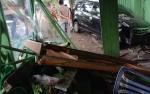 Sudah Berulang Kali Warung Makan Salawati Diseruduk Mobil dan Motor
