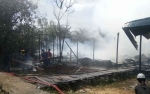 5 Rumah Warga Handel Bakambat Kelurahan Pulau Kupang Terbakar
