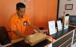 Kantor Pos Kuala Pembuang Didatangi Pelamar CPNS