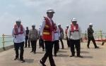 Putri Tanjung dan Taufan Diajak Jokowi ke Subang Beri Sentuhan Fintech
