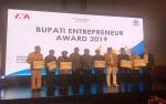 Bupati Kobar Terima Penghargaan Enterpreneur Award 2019