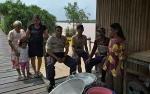 Bhabinkamtibmas Polsek Kapuas Barat Sambangi Warga Desa Sei Kayu