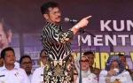 Mentan Syahrul Tanam Jagung di Areal Replanting Sawit Mamuju
