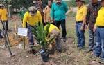 7 Gapoktan Sukamara Terima Bantuan Dana Peremajaan Sawit dari BPDPKS