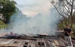 Rumah Dihuni Orang Gangguan Jiwa Terbakar