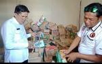 Tim Terpadu Temukan Makanan Kedaluwarsa Masih Dijual di Kapuas