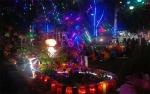 Umat Paroki Katedral Palangka Raya Manfaatkan Barang Bekas Buat Pohon Natal