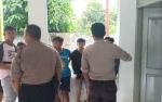 Asyik Main HP saat Hujan,  Pelajar di Sukamara Tewas Disambar Petir