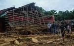 Banjir dan Longsor Akibat Hujan, Ribuan Warga Lebak Mengungsi