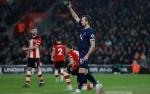 Tottenham Terpeleset di Markas Southampton, Harry Kane Cedera