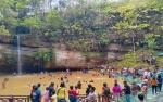 Air Terjun Batu Mahasur Masih Ramai Dikunjungi Wisatawan di Hari ke 2 Pasca Tahun Baru