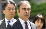 Mantan Bos Nissan Ghosn Rela Masuk Kotak untuk Kabur dari Jepang