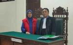 Tampak Berat Terima Putusan Hakim, Nenek Sabu Masih Pikir-pikir