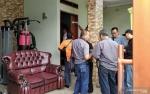 Polisi Bawa Rekaman CCTV dan Barang Lain dari Rumah Mendiang Ibu Rizky Febian