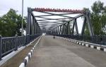 Ketua DPRD Seruyan Minta Dinas Terkait Lakukan Pemeriksaan Berkala Jembatan Soekarno