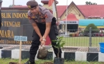 Penanaman Pohon Inisiasi Polres Sukamara untuk Kurangi Risiko Bencana Alam