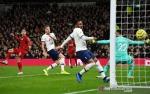 Gol Tunggal Firmino Bawa Liverpool Menang di Tottenham