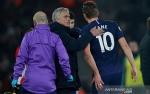 Mourinho Perkirakan Harry Kane Absen Sampai Musim Depan