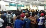 Ratusan Warga Sebabi Datangi Kantor Bupati Kotim Tunggu Hasil Pengecekan PT SSM